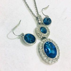 Jewelry - Blue & white rhinestone necklace & earring set